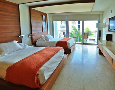 double queen bed at costa d'este