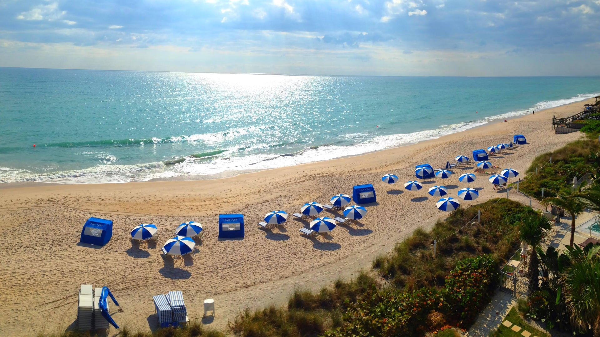 vero beach with Costa umbrellas